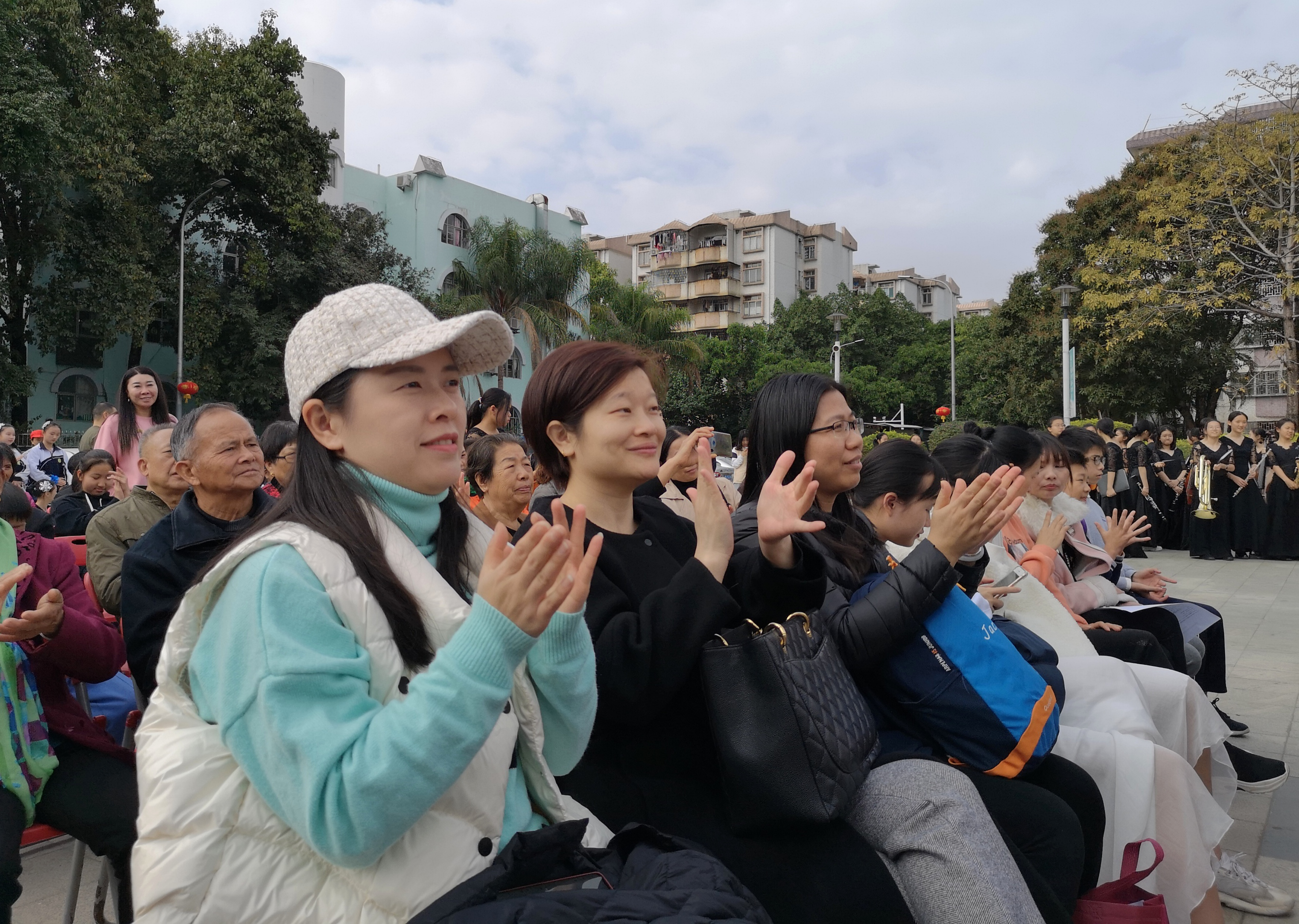 广东龙城街道文化志愿服务系列活动走进紫薇社区