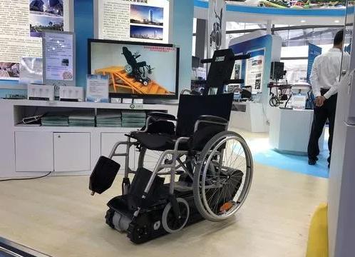 电动爬楼轮椅助老助残疾人方便出行